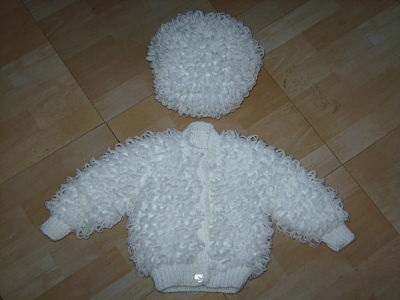 Knitting Patterns For Loopy Cardigan : LOVELY WHITE HAND KNITTED LOOPY CARDIGAN AND MATCHING ...