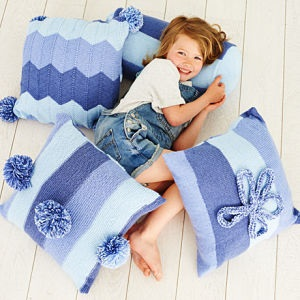 SPECIAL CANDY SWIRL DK PATTERN CUSHIONS AND BOLSTER (9412)