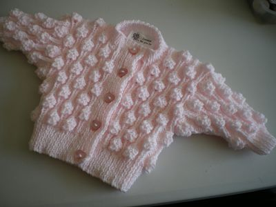 BEAUTIFUL HAND KNITTED BABY GIRLS PINK BOBBLE CARDIGAN 0-3 MONTHS