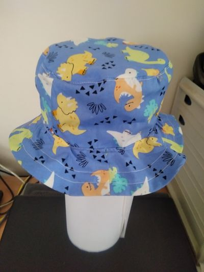 LOVELY HANDMADE BOYS DINOSAUR BUCKET HAT AGE UP TO 3 MONTHS