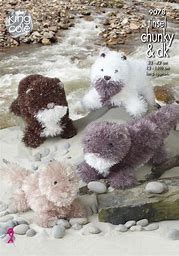 KING COLE TINSEL OTTER TOY KNITTING PATTERN (9078)