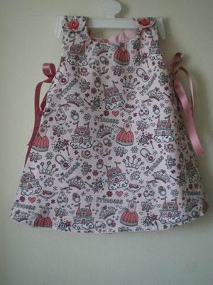 BEAUTIFUL GIRLS HANDMADE SUMMER PRINCESS DRESS 6/9 MONTHS