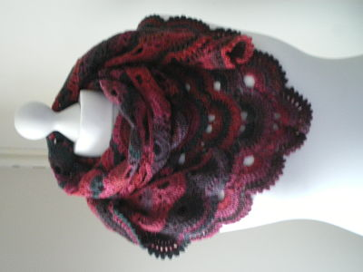LOVELY LADIES VIRUS SHAWL