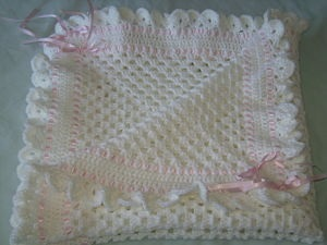 LOVELY HAND CROCHETED GRANNY SQUARE BLANKET WHITE AND PINK