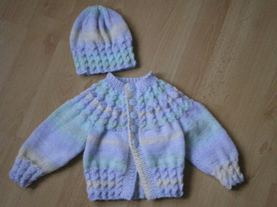 d5a0214f4 LOVELY BABY BOYS HAND KNITTED CARDIGAN AND HAT SET 0-3 MONTHS
