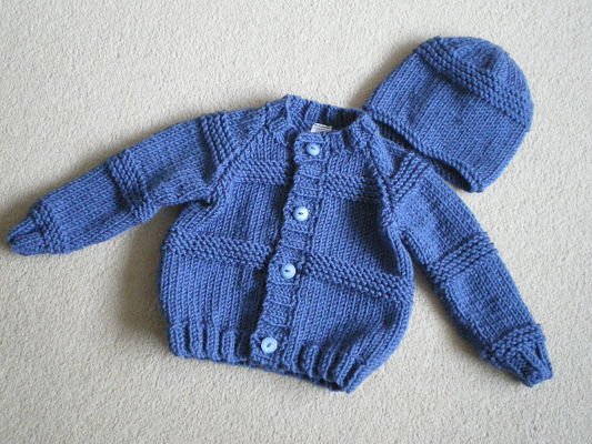 LOVELY BOYS DENIM BLUE CHUNKY CARDIGAN AND HAT SET 6-12 MONTHS