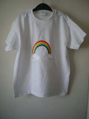 GIRLS MACHINE EMBROIDERED RAINBOW T-SHIRT - 5-6 YEARS
