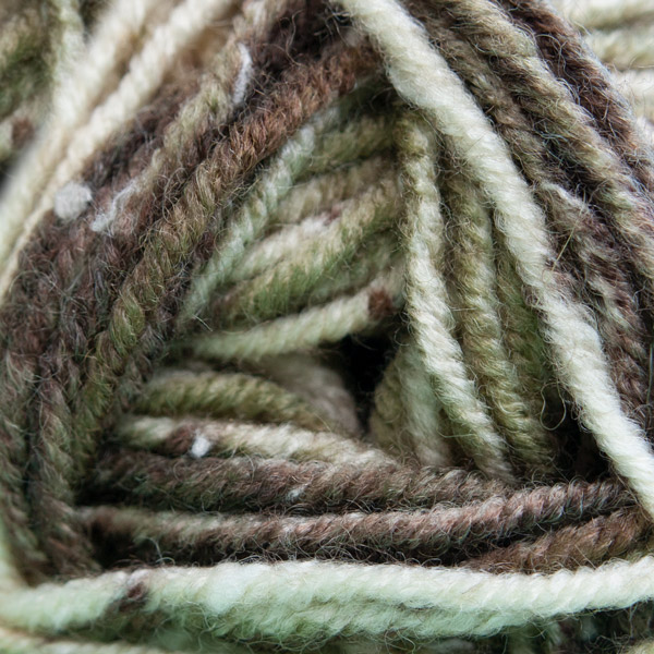 NEW OUT JAMES BRETT RUSTIC CHUNKY 100 GRAM BALL - RU01