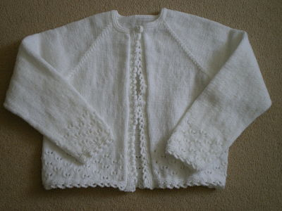 LOVELY GIRLS WHITE 4PLY CARDIGAN AGE 5 - 6 YEARS