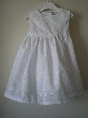 BEAUTIFUL HANDMADE GIRLS WHITE DRESS -3-6 MONTHS